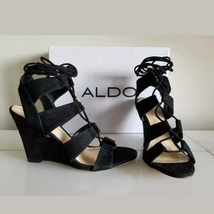 ALDO FASHIONABLE WEDGE HEELS Black, Size 7